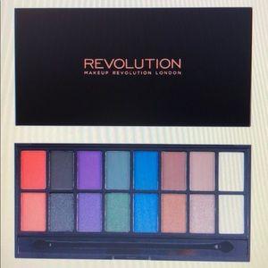 Revolution DARK REIGN Eyeshadow Palette